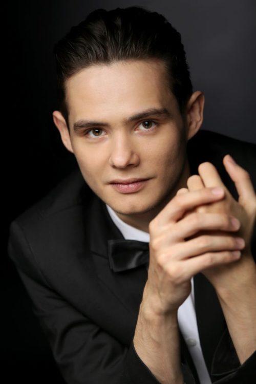 Ruslan Khanmurzin Pianist